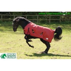 Rhinegold Konig Pony & Foal Outdoor Rug - 600 denier / 200g Polyfill - Red