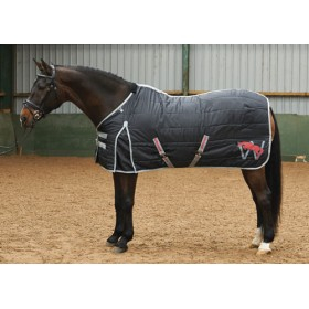 Whitaker Lightweight Stable Quilt 150g in Black